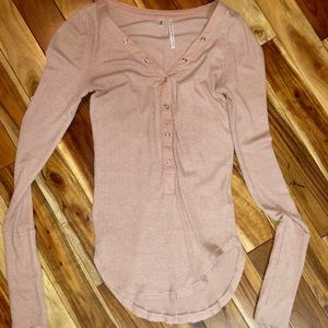 Long sleeve knit shirt